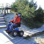 Steps climbing wheelchair