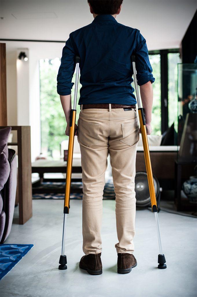 Foldable crutch